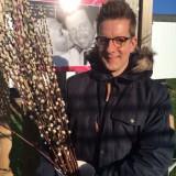 alex klaasen plantte 'de gelaarsde katjes-struik' bij buitengoed de gaard en droeg deze op aan zijn lieve vader tony klaasen