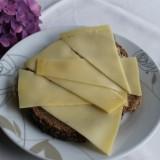 boerenkaas boterham ontbijt verzorgd door mélange heythuysen voor gasten pipowagens, vakantiehuisje buitengoed de gaard