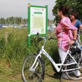 fietsers vvv fiets knooppuntbord foto vvv midden-limburg