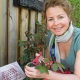 maaike widdershoven verzorgt haar nrsv-aspects of love  rozen bij buitengoed de gaard.