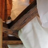 bruidsjurk janneke ververs-heijstek  in torenkamer vierseizoenenhuisje honeymoon bij buitengoed de gaard