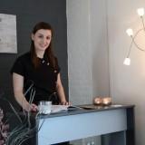 britt peskens ontvangst gasten van buitengoed de gaard voor schoonheidsbehandelingen-massages