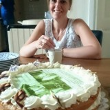 gastvrouw-eigenaar van buitengoed de gaard anja versteeg-peters viert 50 jaar buitengoed de gaard en  ridder in de oranje nassau